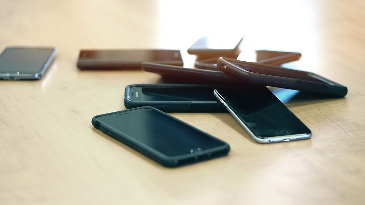 pile of phones- imagine the ringtones